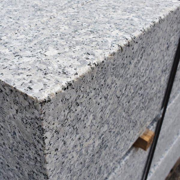 Granit Bordstein Naturstein 10 x 30 x 100 cm Leistenstein grau