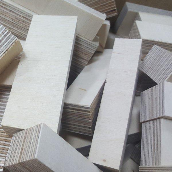 Holz-Bausteine Birke Länge 100mm gemischt 18-30mm Multiplex Sperrholzklötze