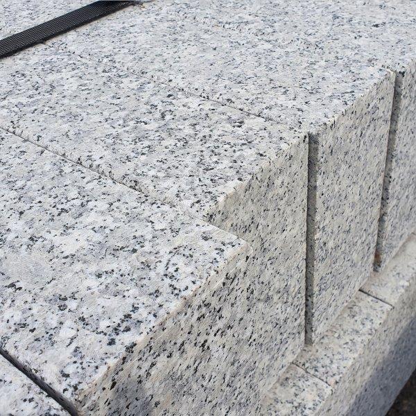 Granit Bordstein Naturstein 10 x 25 x 100 cm Leistenstein grau